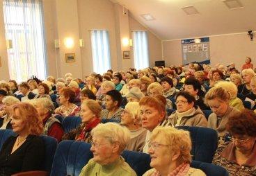 Более трех тысяч псковских пенсионеров пройдут обучение в Университете третьего возраста