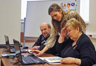 В Псковской области стартовал социальный проект «Виртуальный мир в помощь старшему поколению»