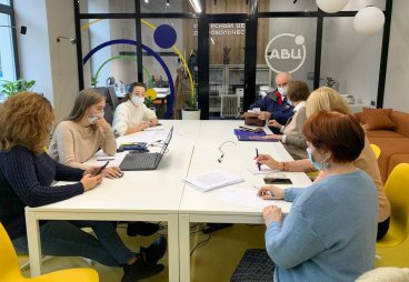 Реализацию проекта «Волонтеры серебряного возраста» обсудили в региональном ресурсном центре поддержки добровольчества