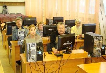 Пенсионеры Псковского региона продолжат бесплатное обучение на компьютере, планшетах и смартфонах