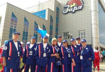 На спартакиаде в Новосибирске псковских пенсионеров наградили за самую элегантную командную форму