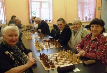 Пенсионеры Псковской области сразились в шахматных баталиях!