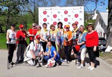 Клуб скандинавской ходьбы Университета третьего возраста принял участие в Псковском марафоне