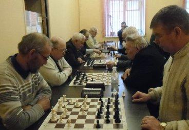 (ФОТО) Пенсионеры Псковской области сразились в шахматных баталиях!